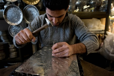 The Bazaar e Bozorg of Isfahan is one of the oldest and most fascinating of Iran. The Bazari are in effect true artists, who with their experience create true masterpieces